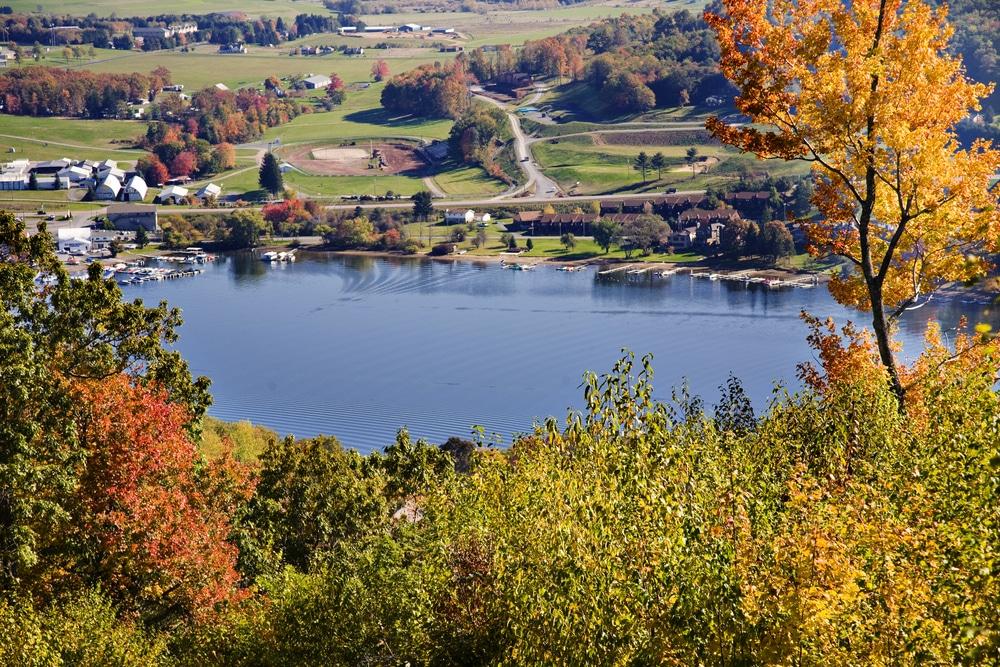 One of the Best Deep Creek Lake Hotels 2021