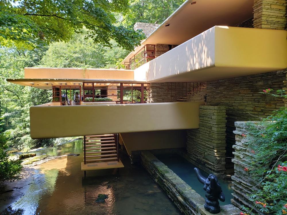The beautiful fallingwater house by Frank Lloyd Wright